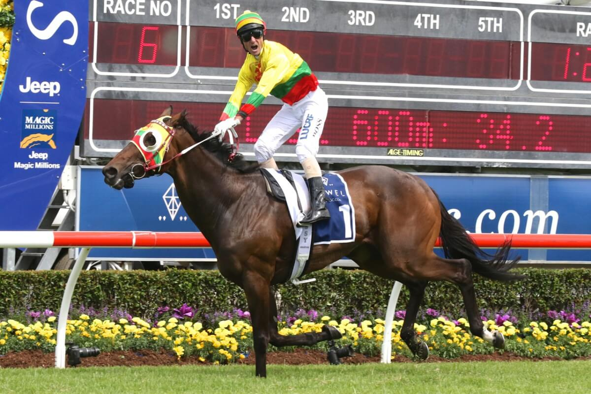 Lucky Hussler Sparkles in Jewel Cup