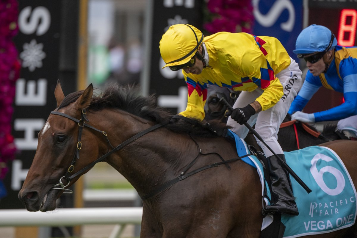 Vega One Cruises Home in MM Cup